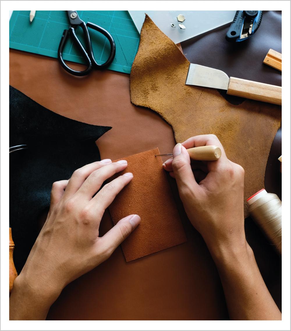 สมุดบันทึกปกหนัง สลักชื่อ handmade notebook สินค้าพรีเมี่ยม - catagory-2